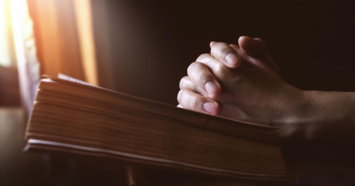praying with bible - 1200